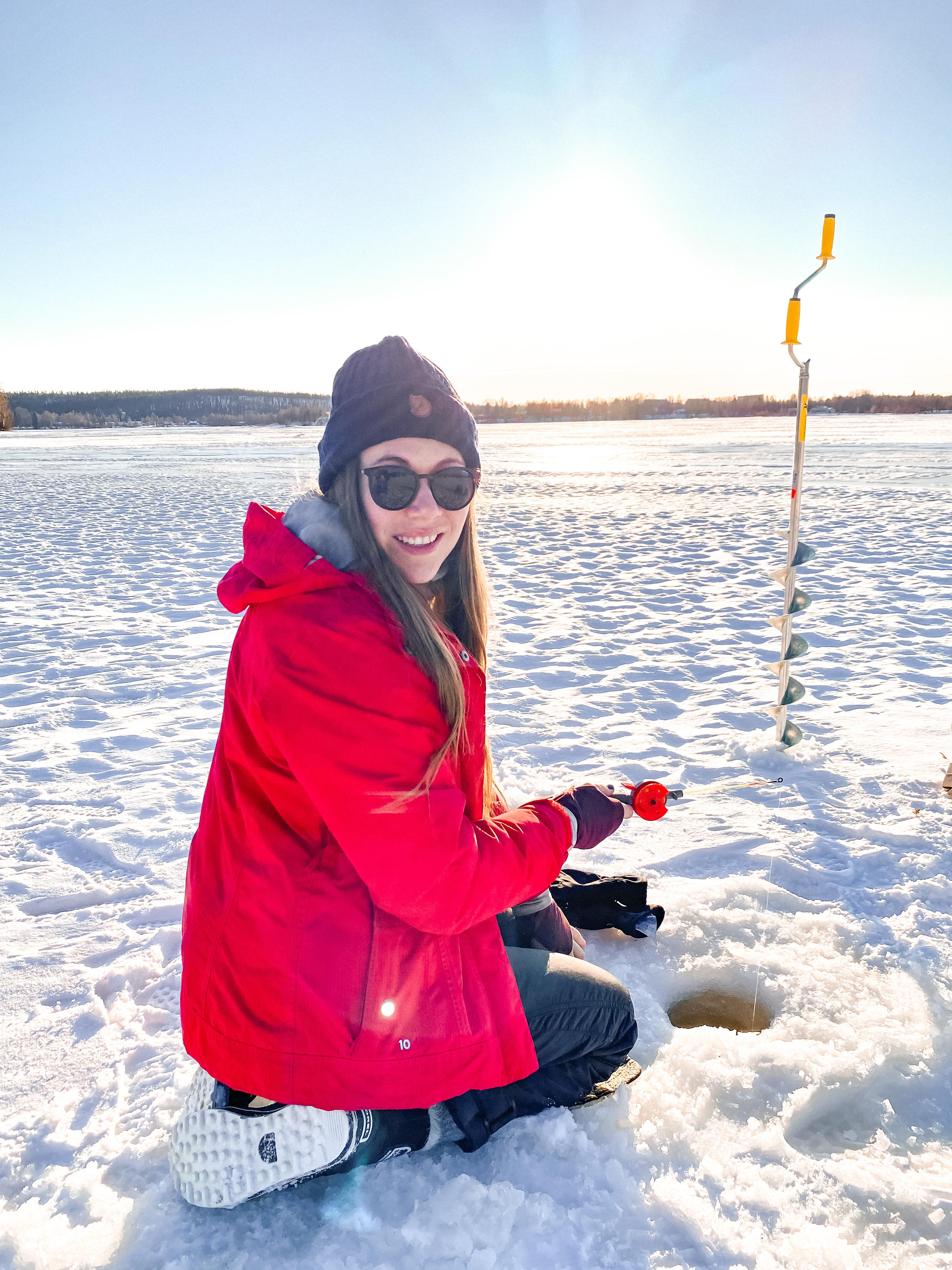 zimowe_atrakcje_ice_fishing_wycieczka_by_ostra_finka_asia_kocon_rovaniemi_laponia_finlandia_04.JPG